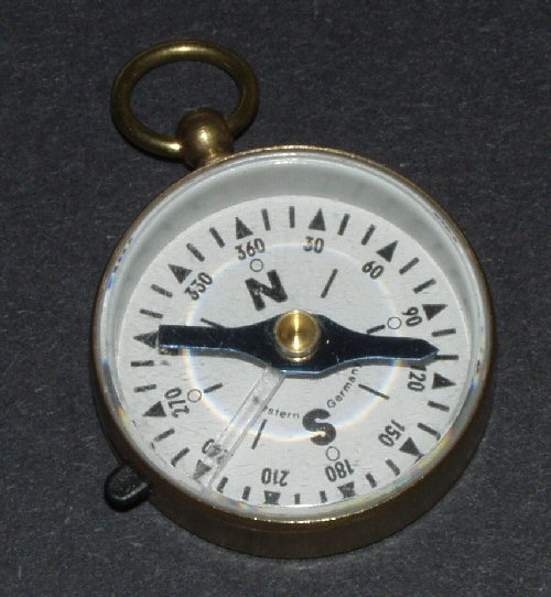 Open face pocket compass